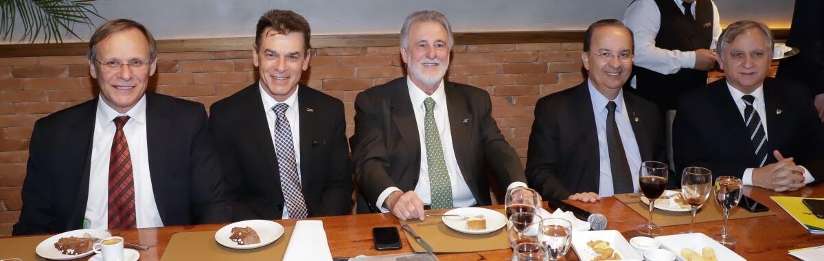 CNDL participa de encontro da Frente Parlamentar Mista das Micro e Pequenas Empresas